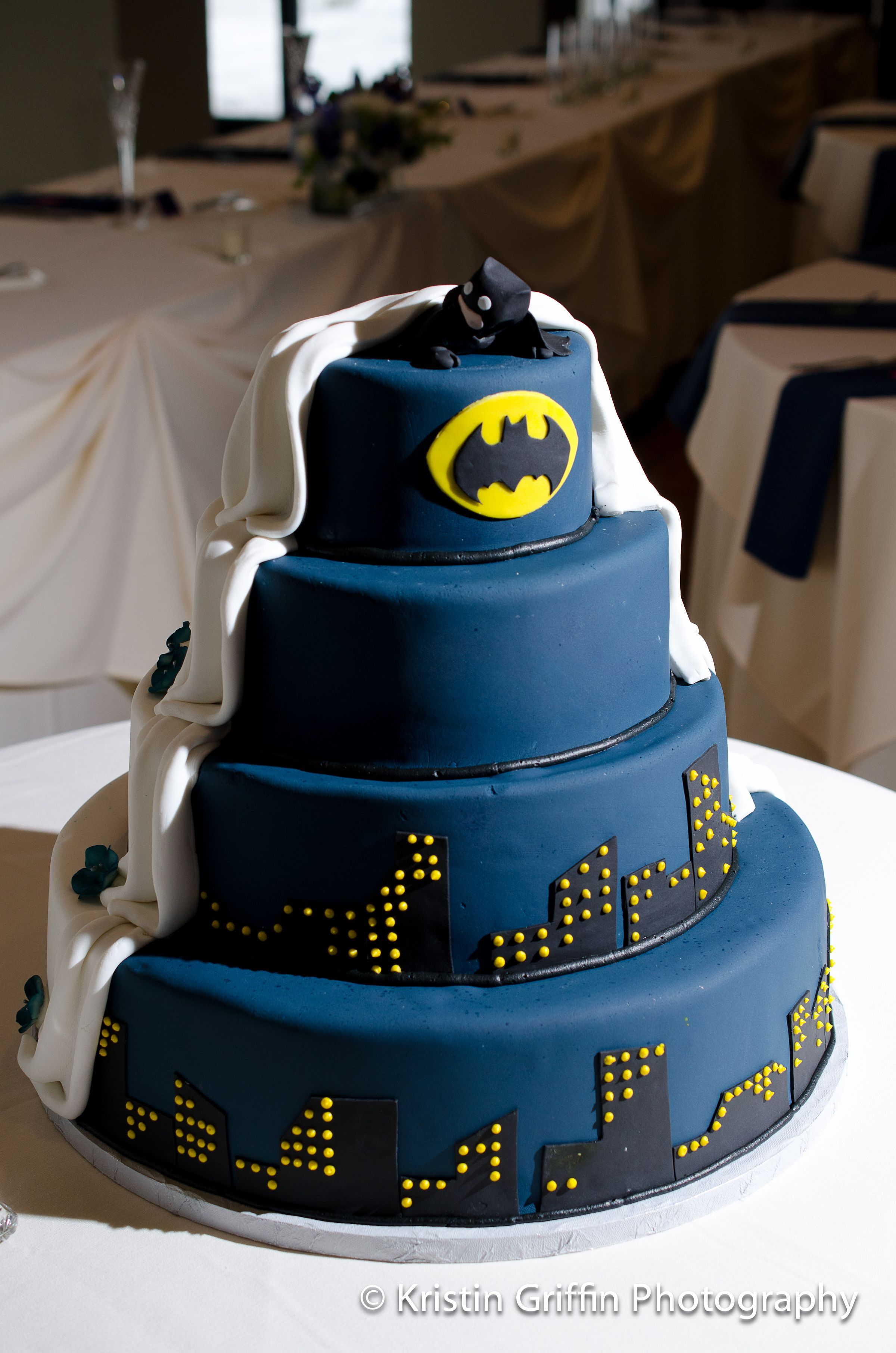Instead Of A Separate Groom S Cake Here S A Half And Half