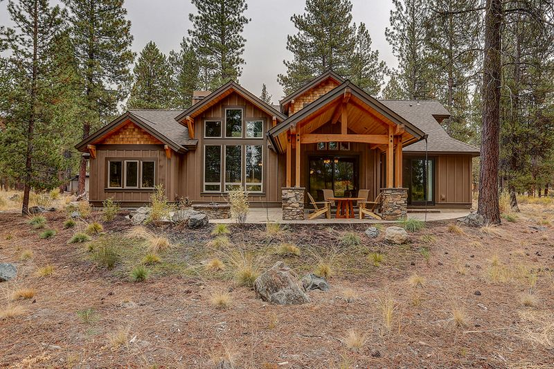 Craftsman Style House Plan - 3 Beds 3.50 Baths 2554 Sq/Ft Plan #892-29 Exterior - Rear Elevation #craftsmanstylehomes