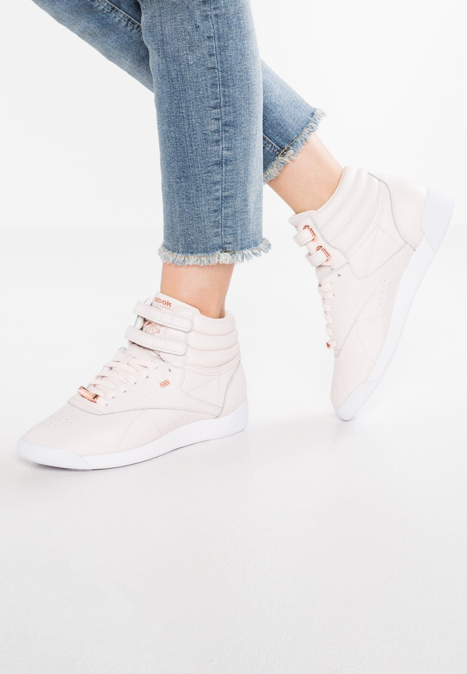 Reebok Classic FREESTYLE HI MUTED - High-top trainers - pale pink white  shadow for £69.95 (03 03 18) with free delivery at Zalando bec011f6e