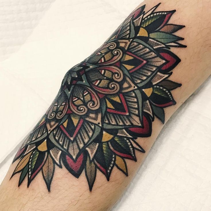Best 25 Traditional Mandala Tattoo Ideas On Pinterest: 1000+ Ideas About Elbow Tattoos On Pinterest