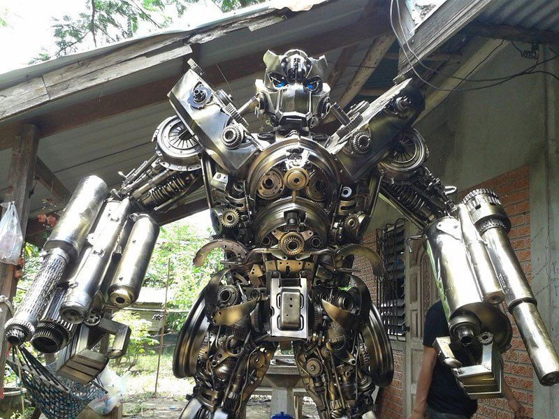 20 ft Transformers Made from Old Car Parts | recycle | Pinterest | Scrap