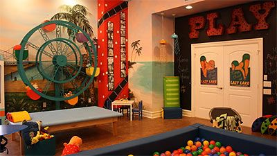 Therapy room beach family house from extreme makeover for Extreme makeover bedroom ideas