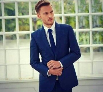 What Color Shirt And Tie Should I Wear On A Navy Blue Suit Casual Wedding Suit Wedding Suits Groomsmen Wedding Suits Men