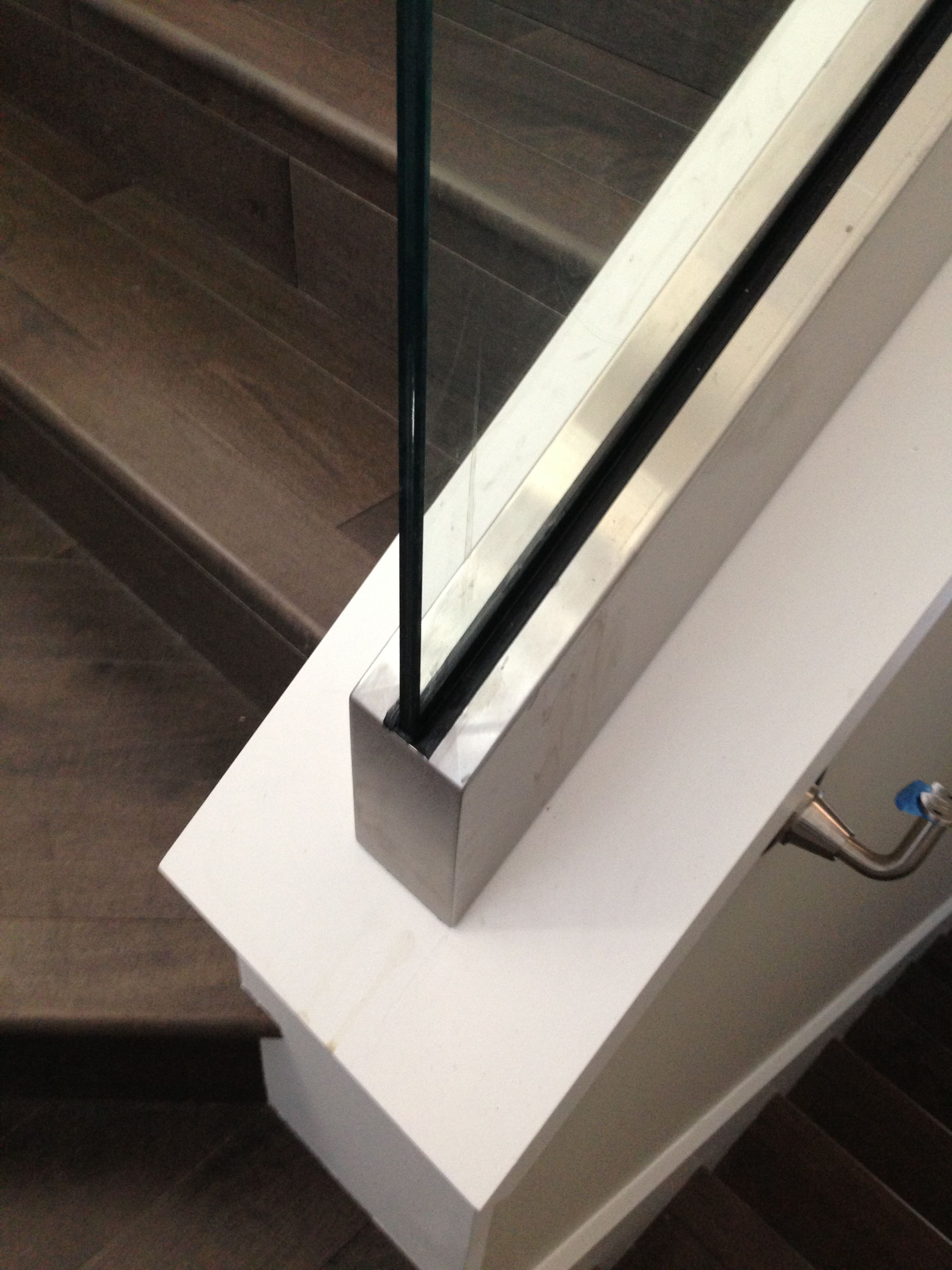 Best Custom Stainless Steel Cladding On Glass Stair Guardrail 640 x 480