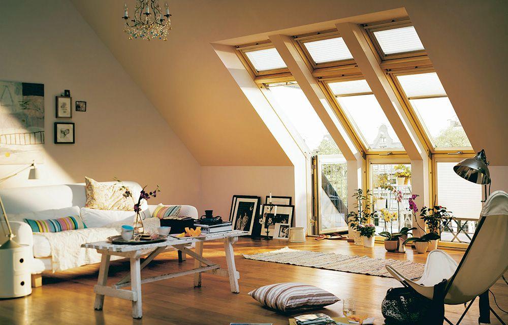 Ein Wohnzimmer Unterm Dach? Gar Nicht So Selten. Beispielsweise, Wenn Das  Ausgebaute Dachgeschoss Platz Für Eine Kleine Extra Wohnung Bietet.