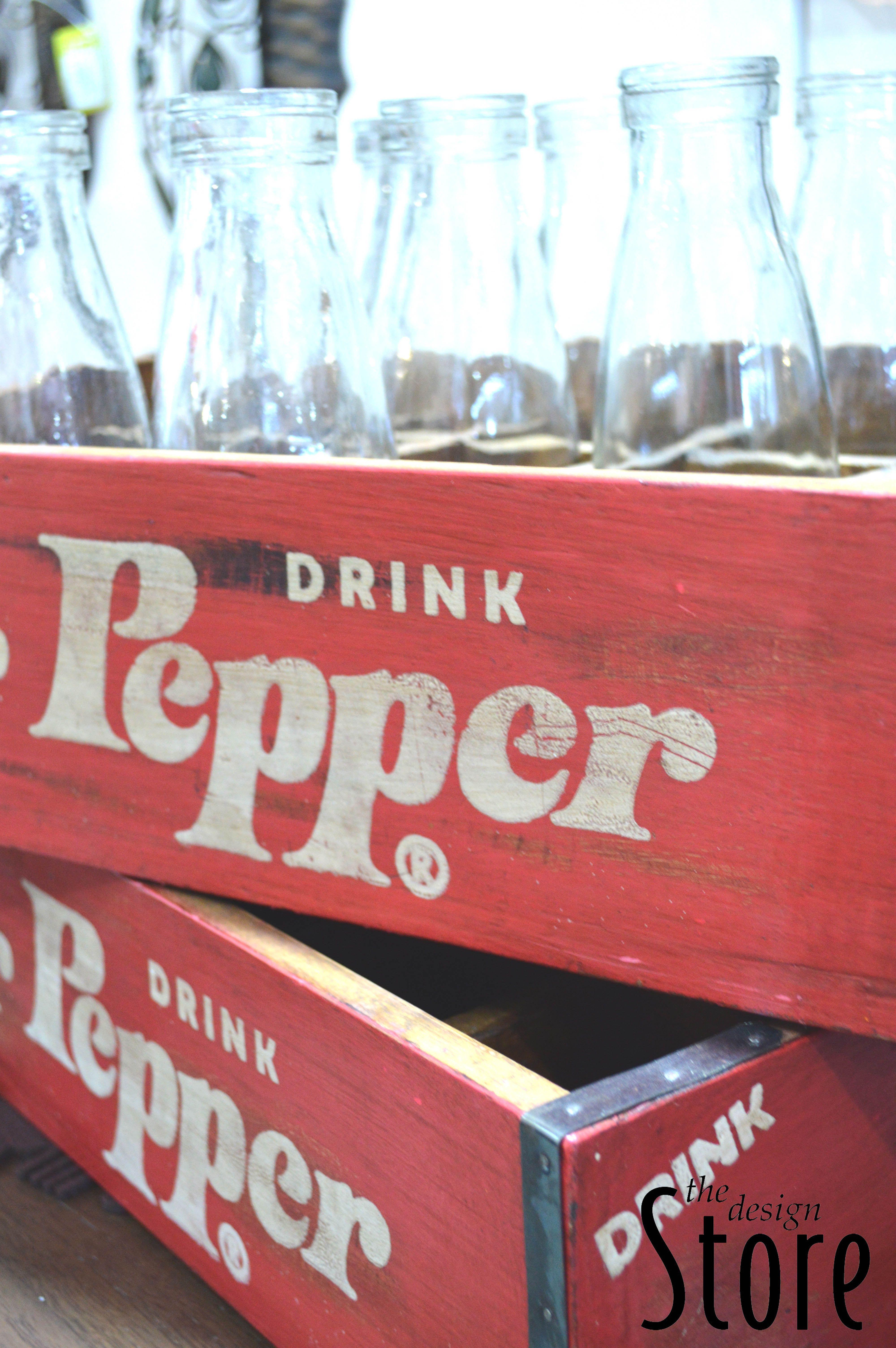 Retro Dr Pepper Crate Filled With Vintage Glass Bottles Old Glass Bottles Design Store Bottle