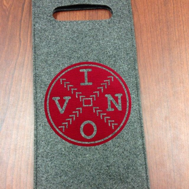 Fresh Off The Press Decorated A Felt Wine Bag With Siser