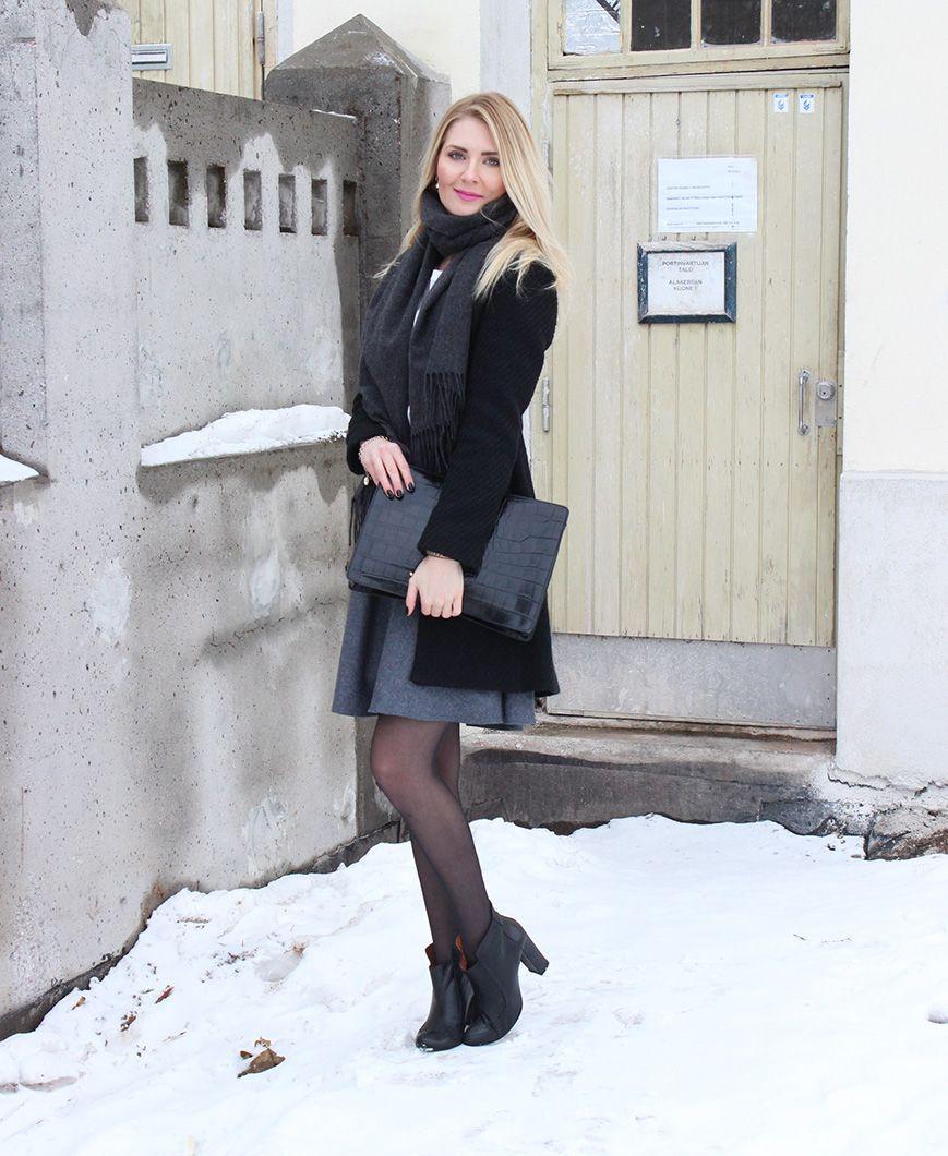 Jumper: Esprit / Coat: Mango / Scarf: Gina Tricot / Bag: Vagabond / Shoes: Shoeshibar / Skirt: Selected