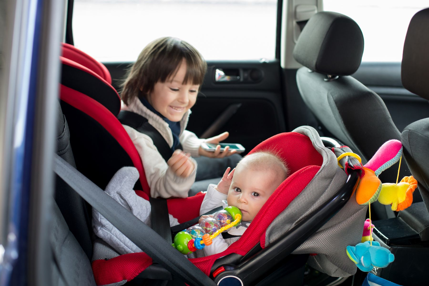How To Choose The Right Car Seat For Your Child Newborn Carseat Baby Car Seats Car Seats