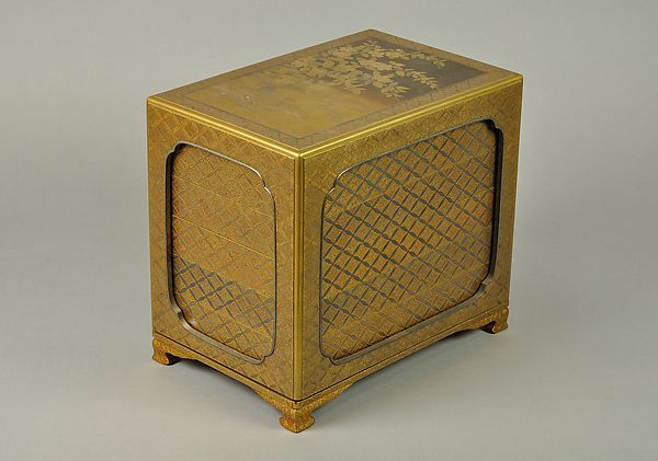 Period: Edo period (1615–1868) Date: late 18th–early 19th century Culture: Japan Medium: Lacquered wood with gold and silver hiramaki-e and applied gold foil on nashiji groun