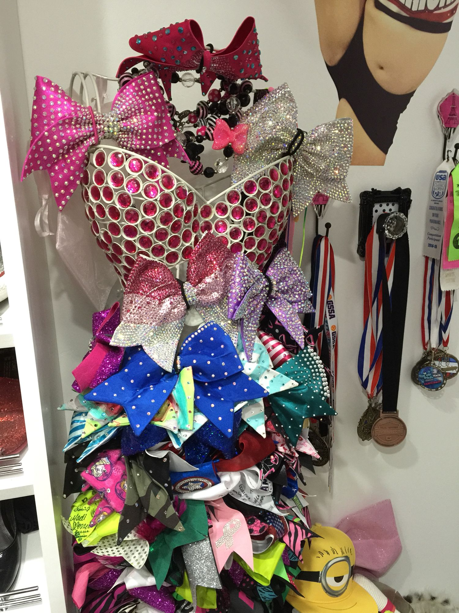 Cheer Bow stand!!
