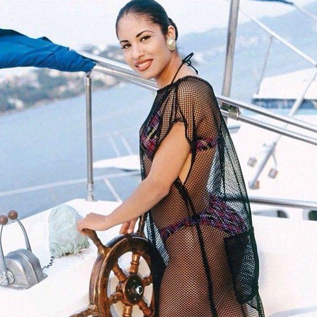 Fotos De La Vida Privada De Selena Quintanilla Que Te Explicaran Cosas Que Desconocías Imagenes De Selena Quintanilla Fotos De Selena Hermosas Celebridades