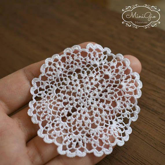 Miniature crochet round doily 6.5 cm, 1:12 dollhouse miniature ...