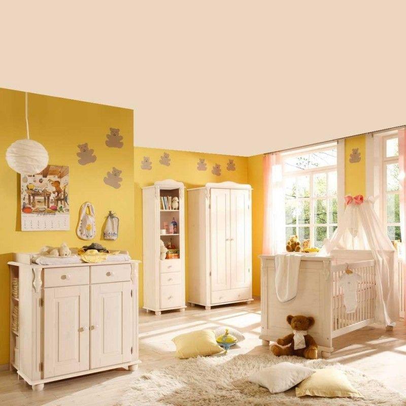 Komplette Einrichtung für das Babyzimmer im Landhausstil