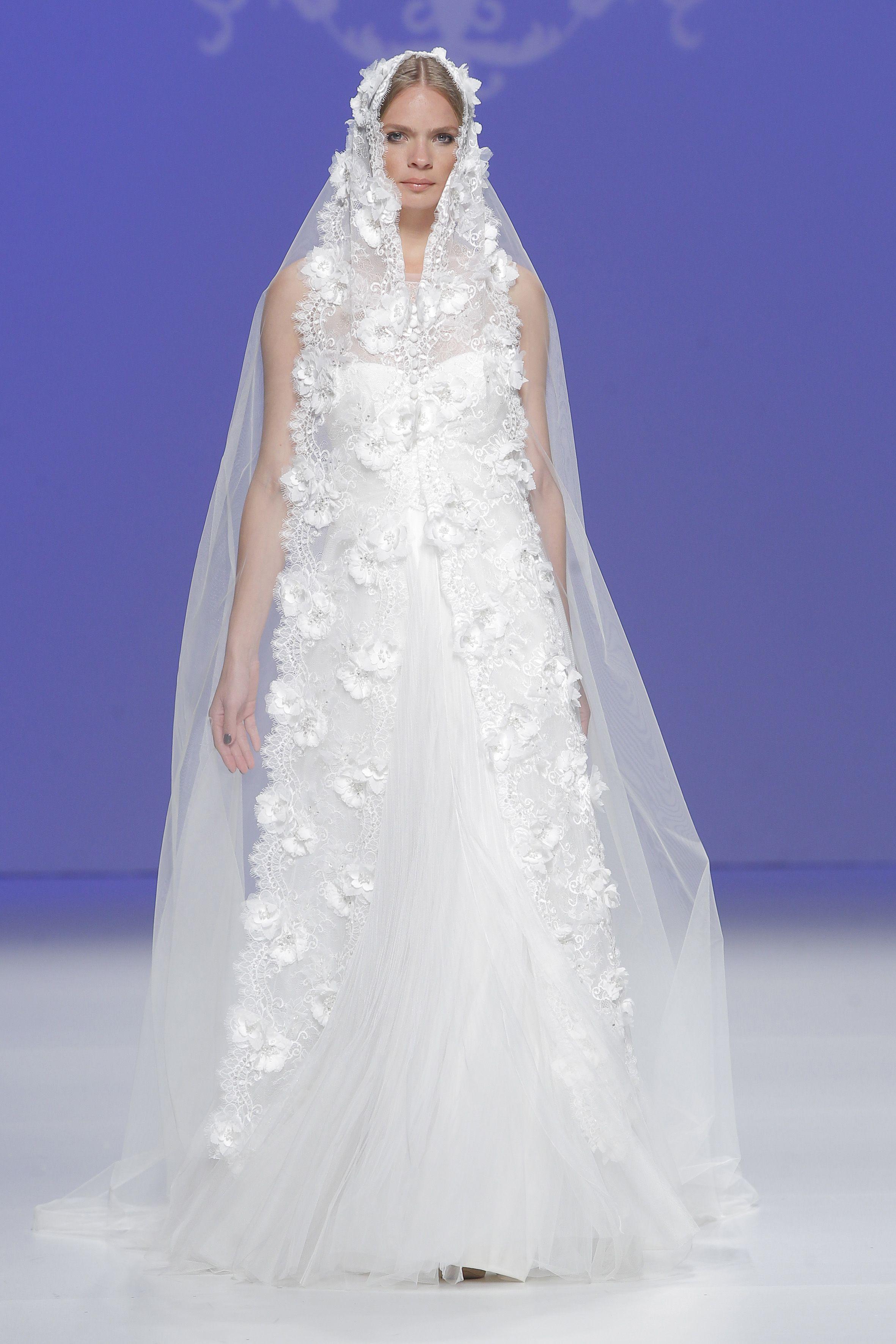 Moderno Nupcial Gowns.com Ideas Ornamento Elaboración Festooning ...