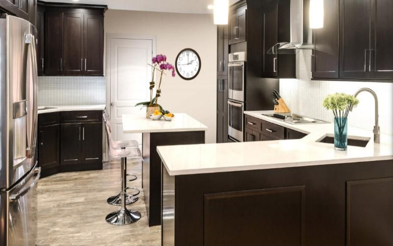 Henna Shaker Kitchen Cabinets in 2020   Espresso kitchen ...