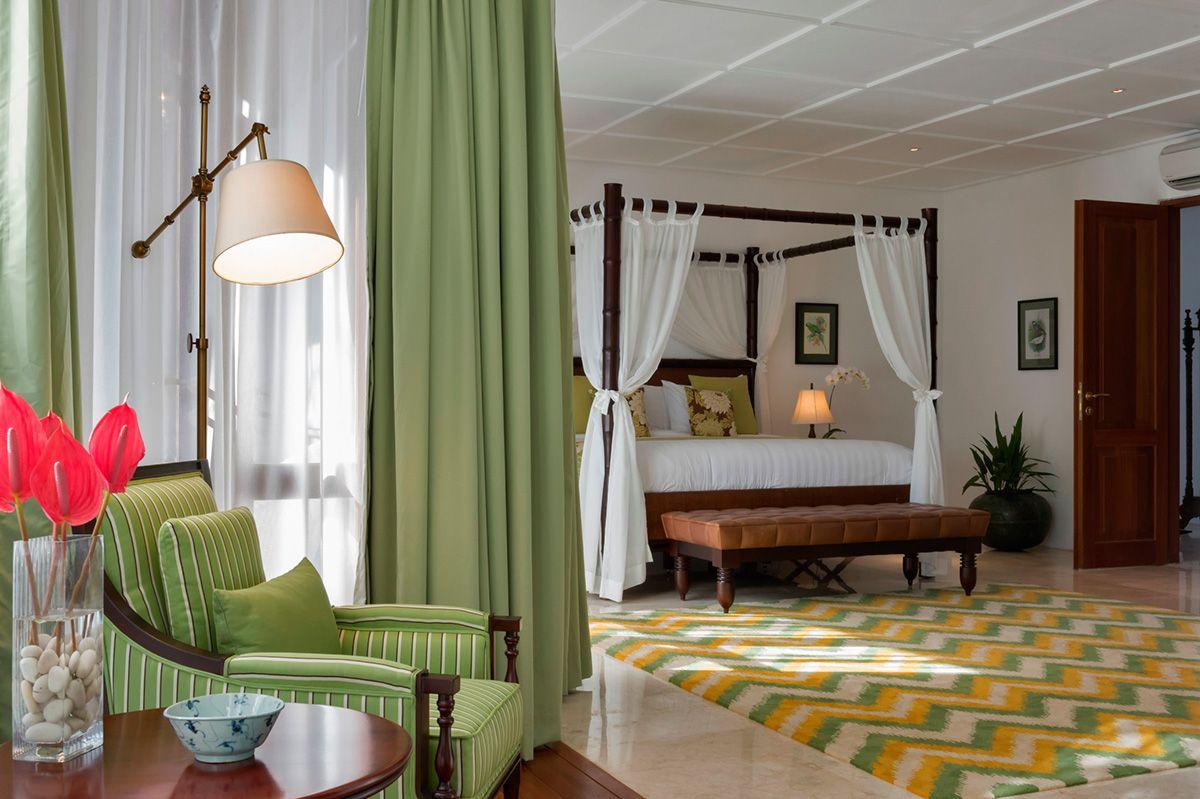 Windu Estate Luxurious Bedrooms Tropical Master Bedroom Tropical Bedrooms