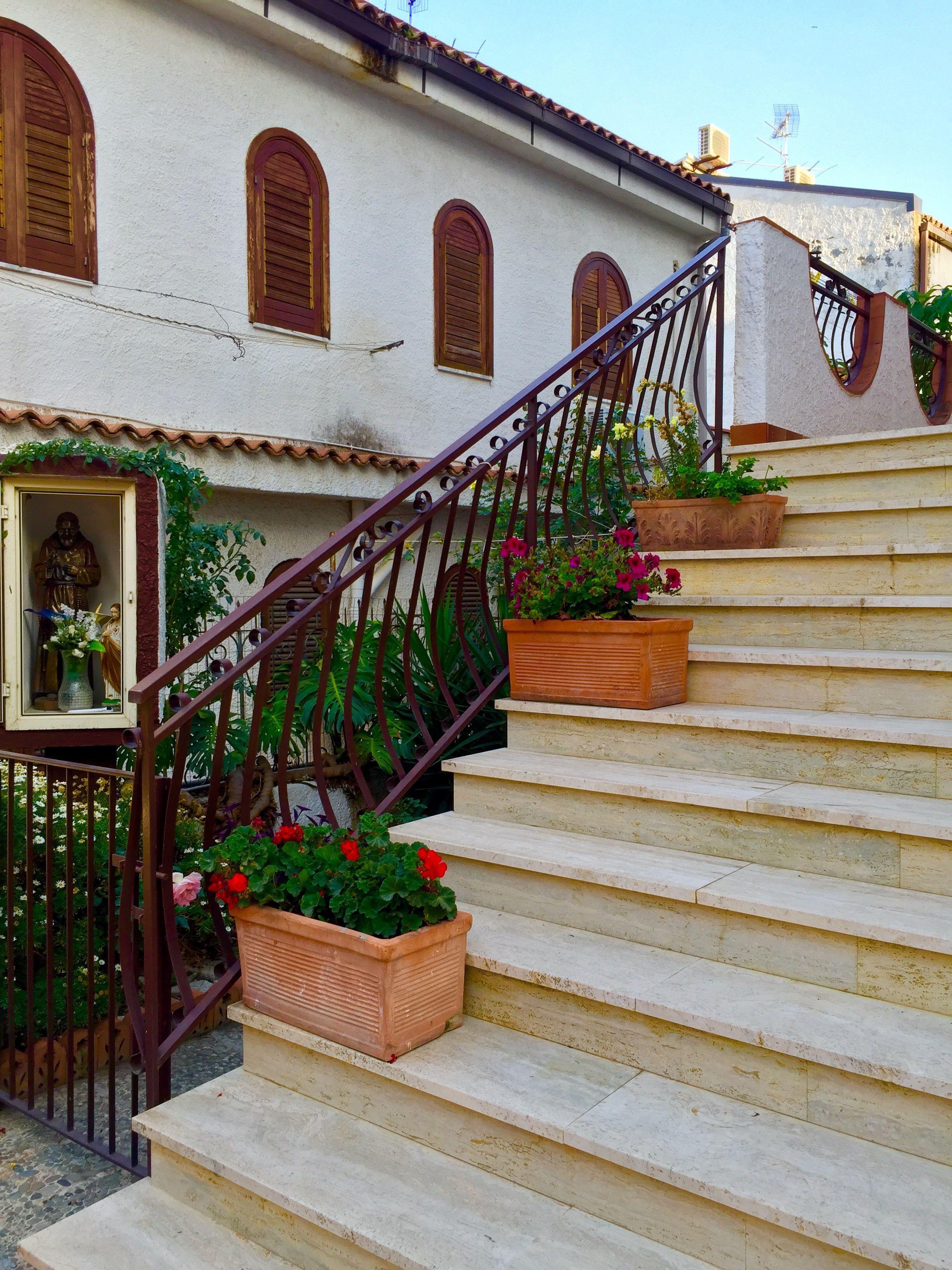Villa Cavallaro, Giardini Naxos, Sicily, Italy Decor