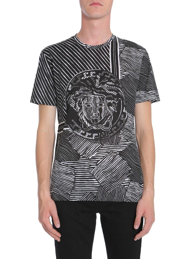28b568e0 VERSACE T-shirt Girocollo. #versace #cloth # | Versace Men | Versace ...