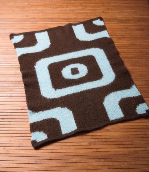 Retro Wallpaper Rug - Knitting Patterns and Crochet Patterns from KnitPicks.com
