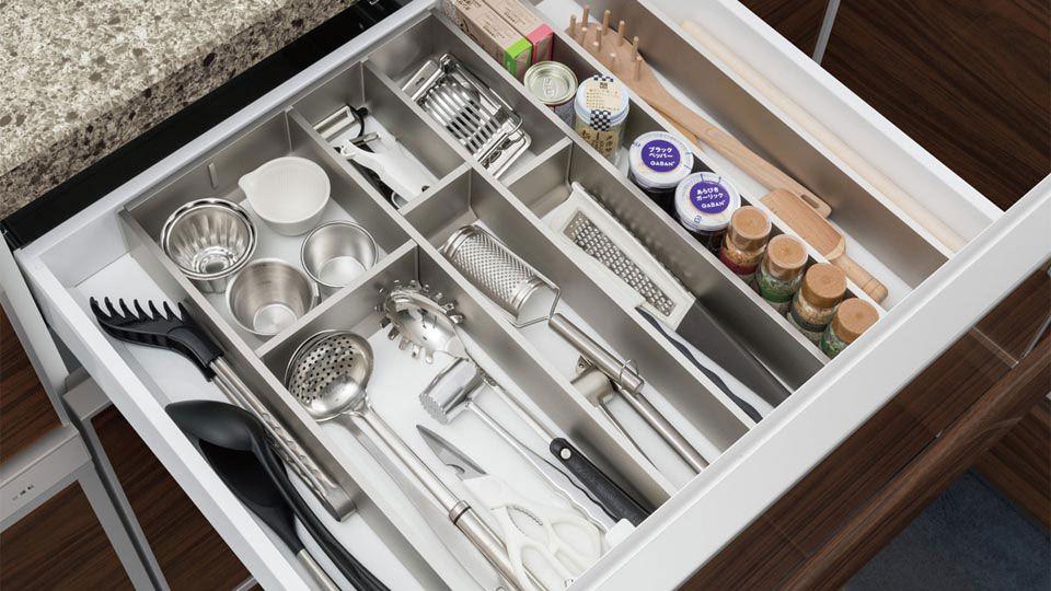 キッチンキャビネット収納例と参考サイズ タカラスタンダード タカラスタンダード キッチンキャビネット 食器 収納 引き出し