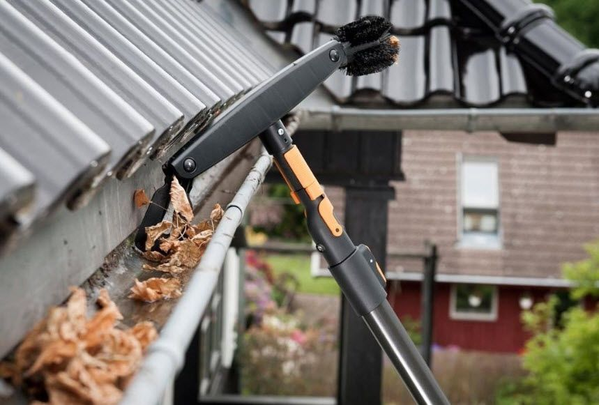 Gutter Cleaning Sutherland In 2020 Gutter Cleaning Tool Rain Gutter Cleaning Cleaning Gutters