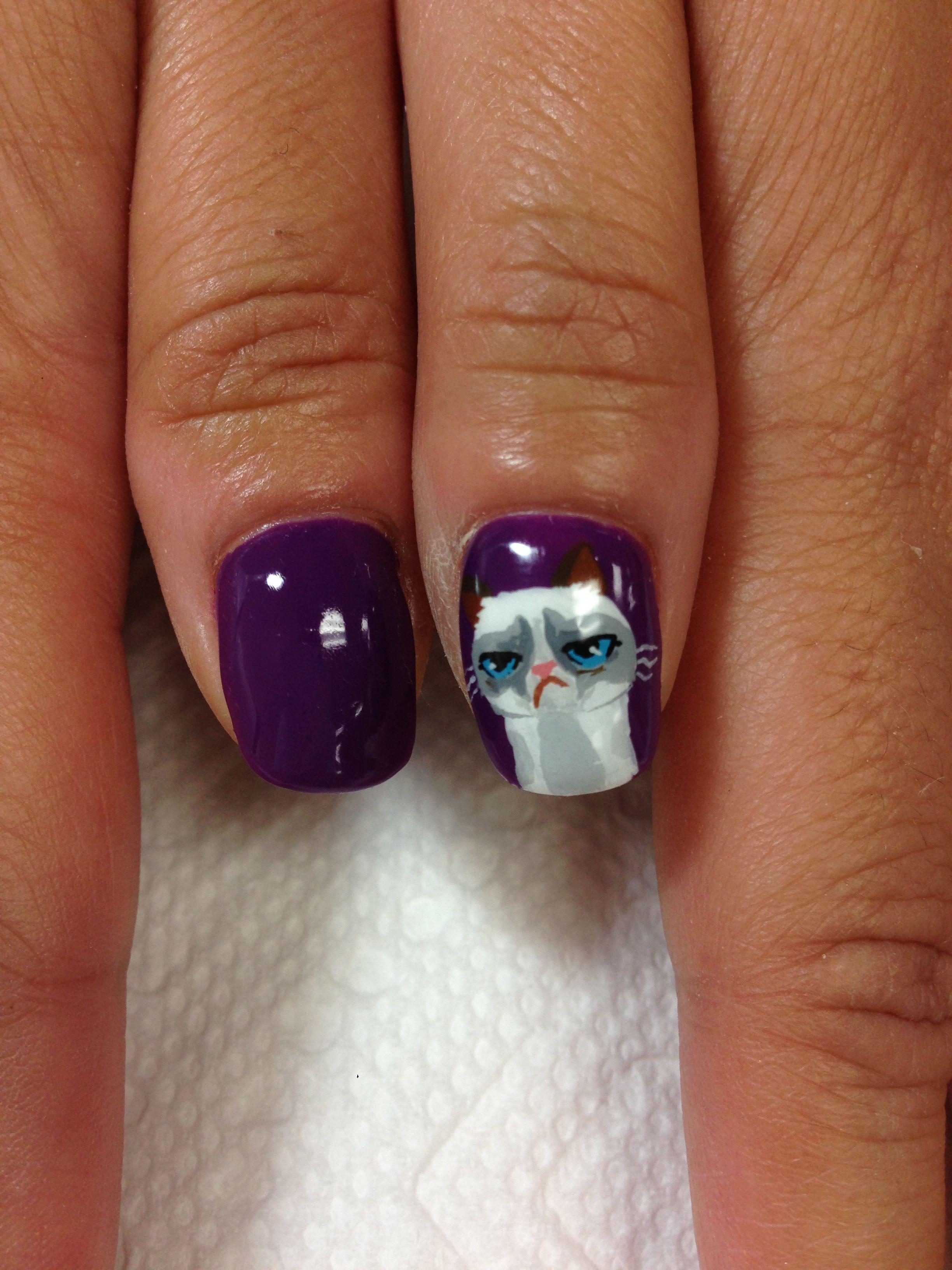 Grumpy cat gel nails