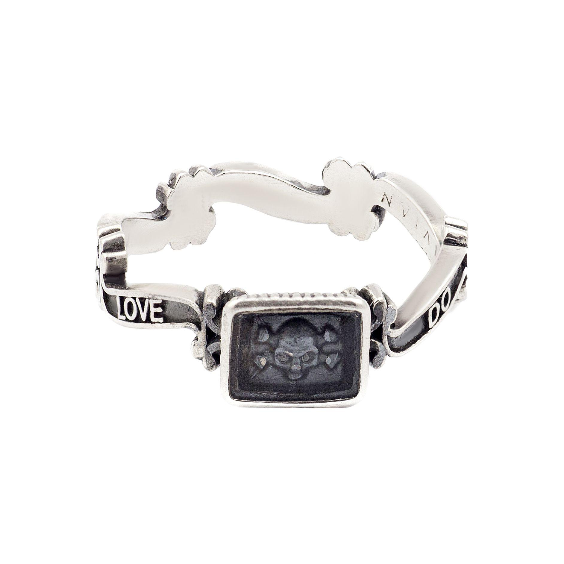 Memento mori skull ring  #viviangioielli #silver #love #blessedlove #ring #mementomori #exvoto #sacredring #skullring #heart #anelloteschio