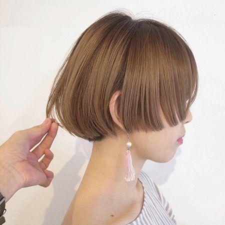 ショート 髪の量が多い人に似合う髪型 ヘアスタイル15選 ショートボブのヘアカット ヘアスタイル ヘアスタイリング