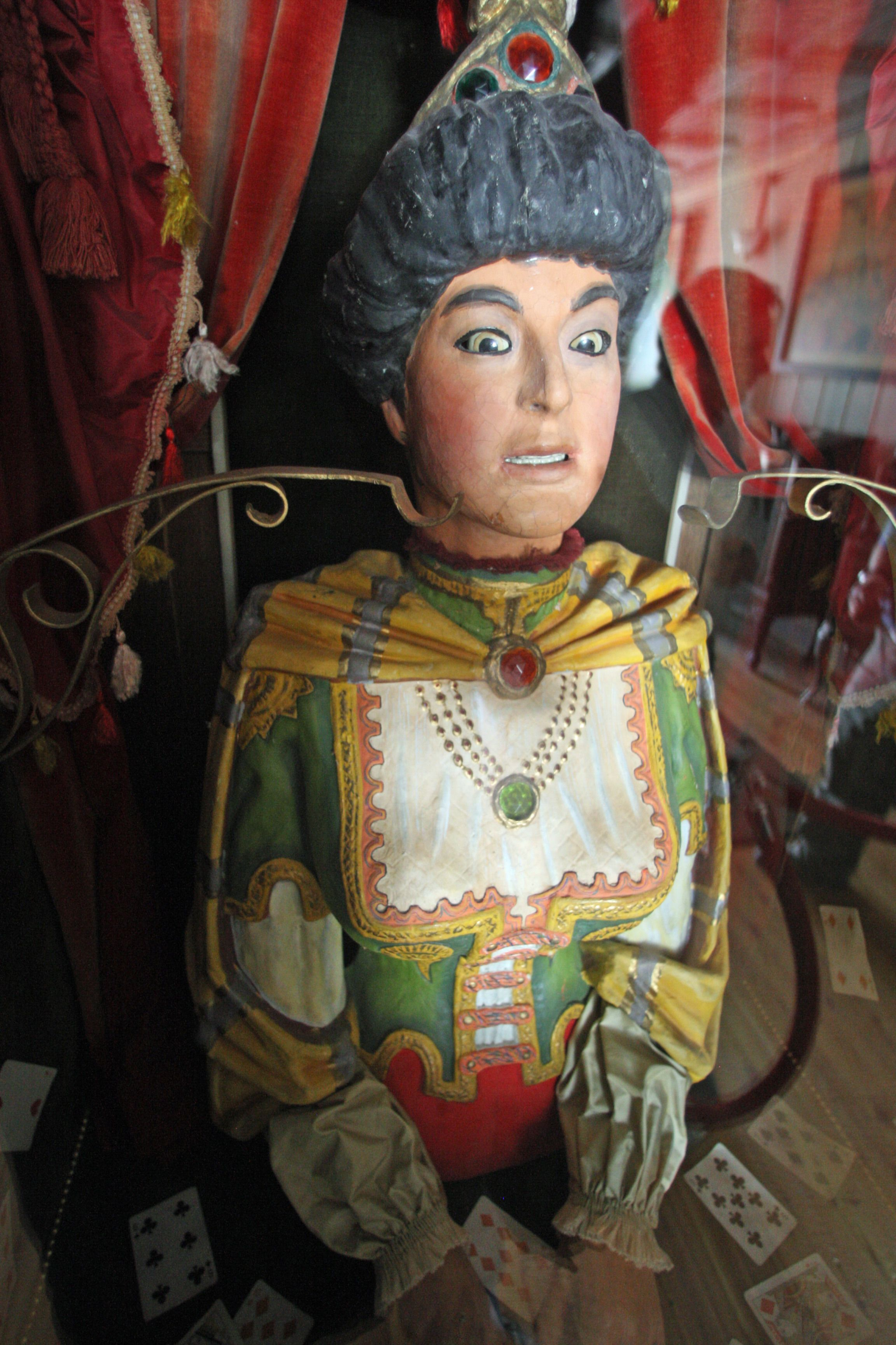 The Fortune Teller: Vintage Fortune Teller Machines/Automatons.....I Saw One