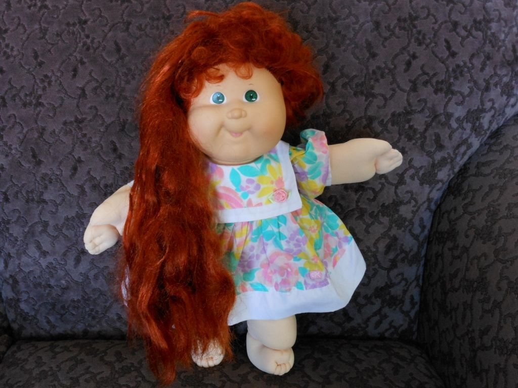 1987 1988 Coleco Cabbage Patch Kids Growing Hair The Pony Tail Functions Much Like A Window S Cabbage Patch Kids Dolls Cabbage Patch Dolls Cabbage Patch Kids