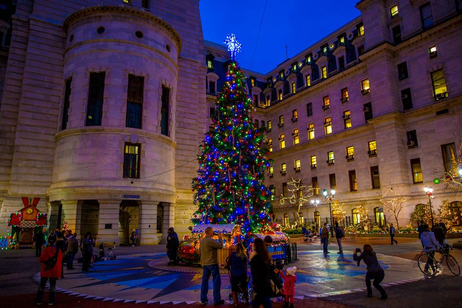 the top places to view holiday lights in philadelphia visit