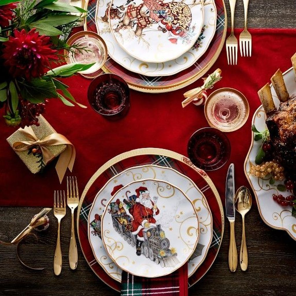 30 Stunning Christmas Dining Table Decoration Ideas In 2020