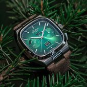 Glashütte Original  Seventies Chronograph Panorama Date in Green and Grey  Time and Watches  The watch blog