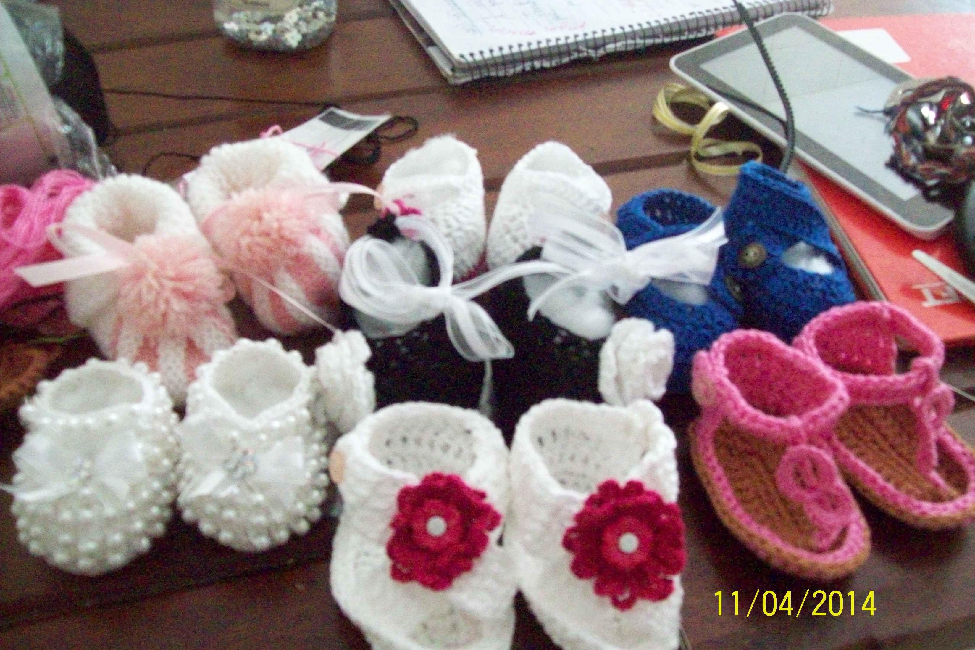 sapatinhos em linha e lã