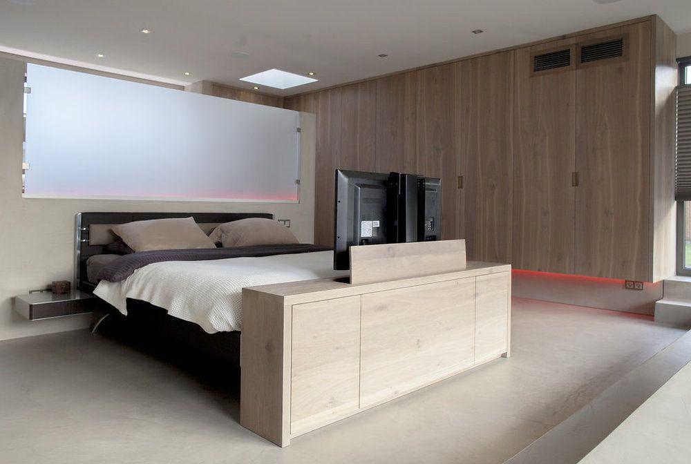 Badkamer Slaapkamer Ineen : Slaapkamer en badkamer in één ruimte wood creations tv lift