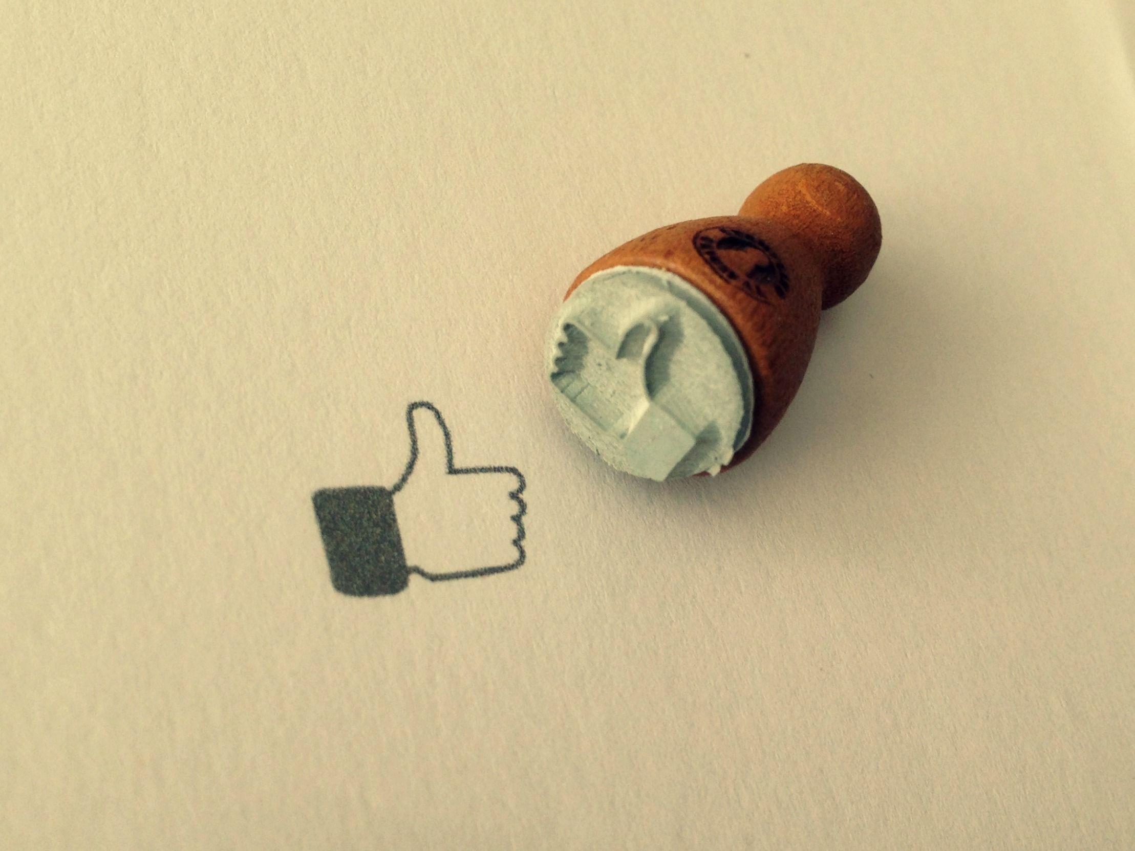 I Like Stempel  http://de.dawanda.com/product/66852775-Mini-Holzstempel-I-Like