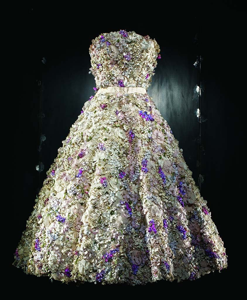 "White organza dress embroidered with ""pointillist"" dégradé chiffon, Autumn-Winter 2012 Haute Couture collection, Christian Dior by Raf Simons 