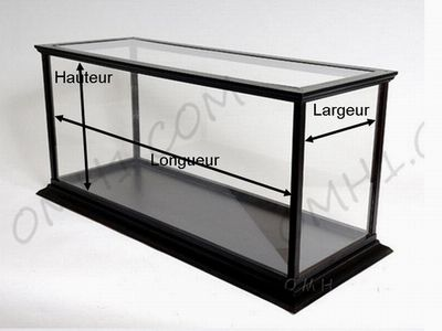 vitrines d 39 exposition en plexiglas pour maquettes de bateaux et divers int r ts vitrine. Black Bedroom Furniture Sets. Home Design Ideas