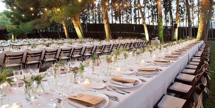 Mesas largas y decoradas con buen gusto bodas rurales pinterest mesas largas con buen - Boda en casa rural ...