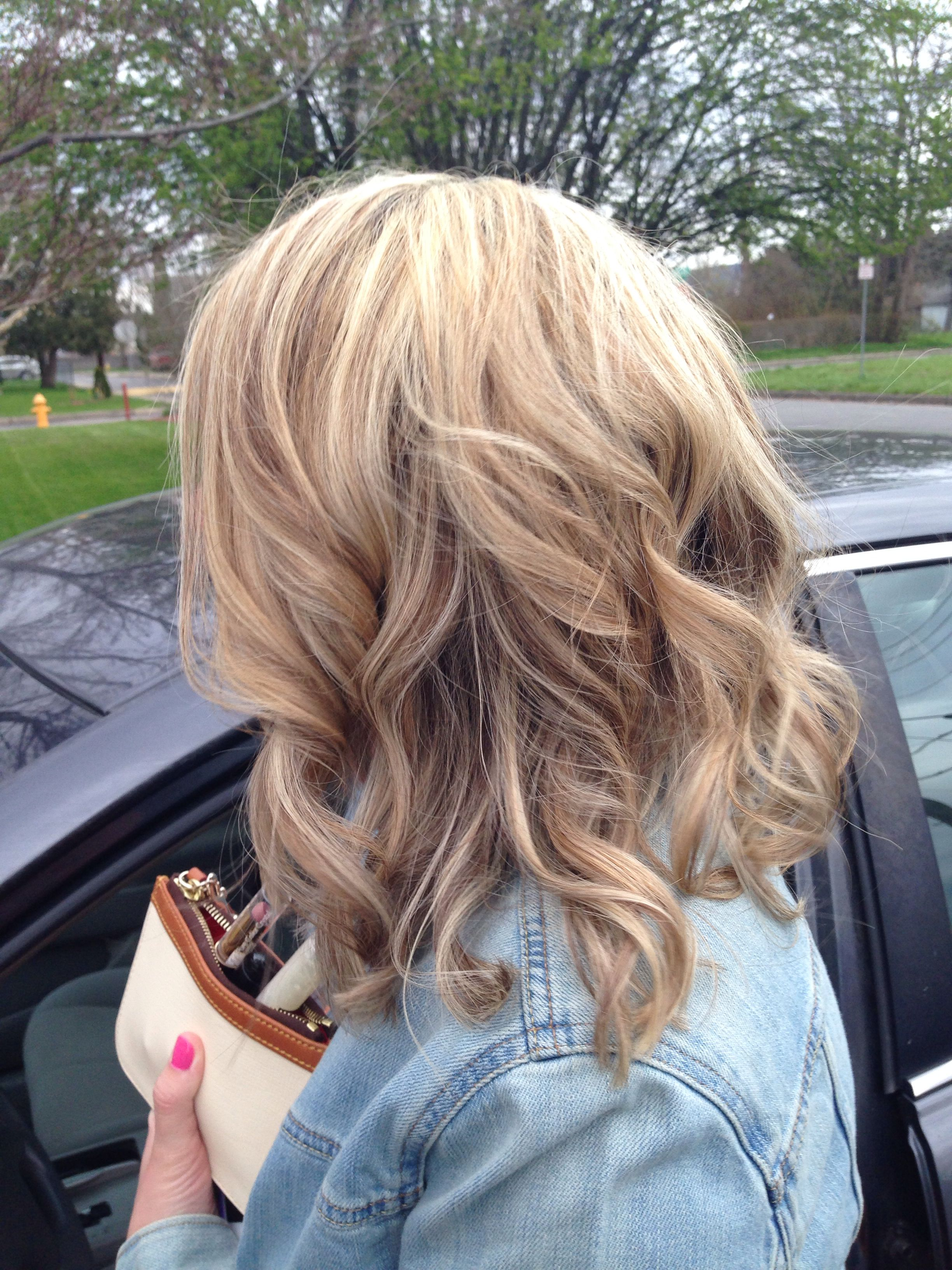 You Ll Want To Try These Medium Length Hairstyles Stat Hair Styles Haircuts For Medium Hair Medium Hair Styles