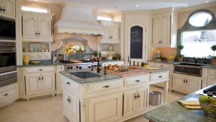 Traditional Kitchen with Del Mare Granite Countertop, Farmhouse Sink, Island sink, Inset cabinets, Kitchen island, U-shaped