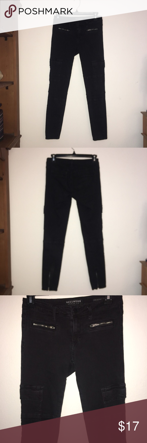 Low Rise Cargo Jeans Perfect for a simple and casual look with zippers in the front and backs of the legs and pockets on the sides. PacSun Jeans Ankle & Cropped