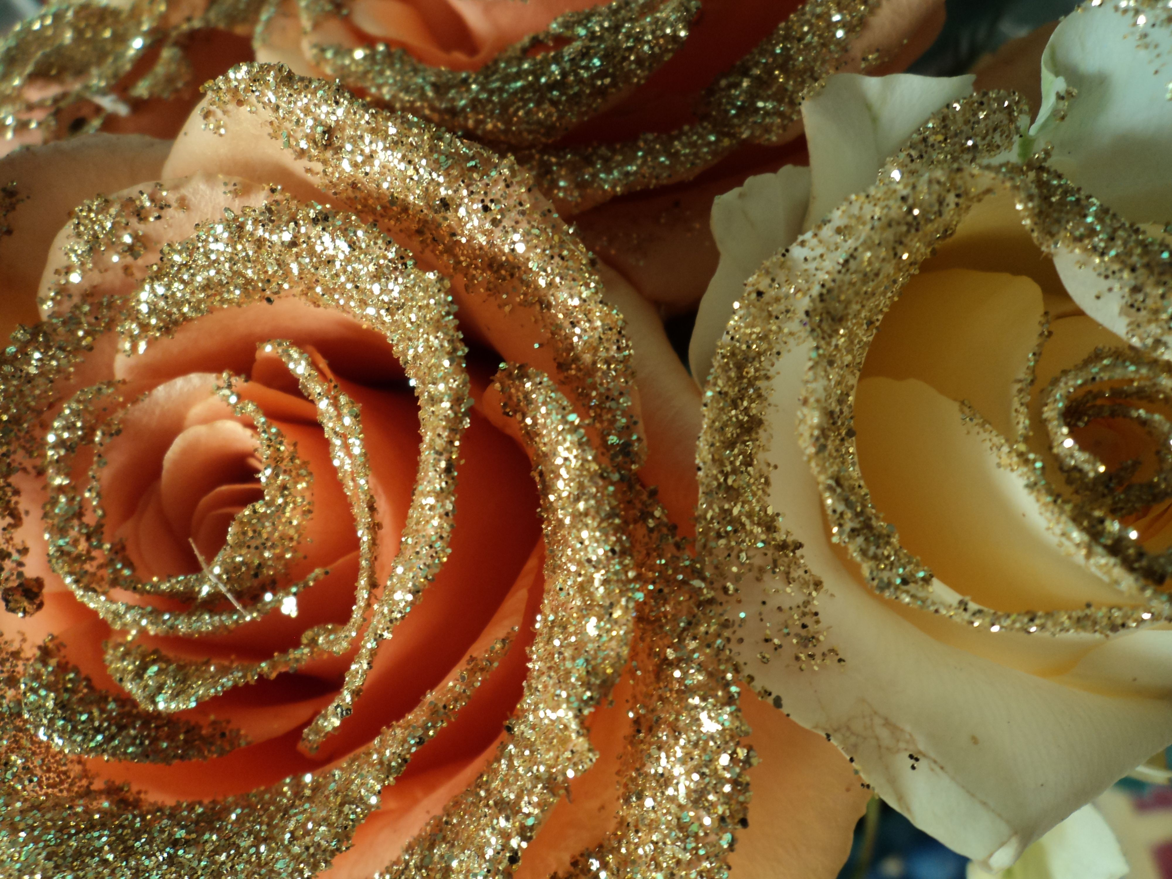 rose d'oro per feste doratee