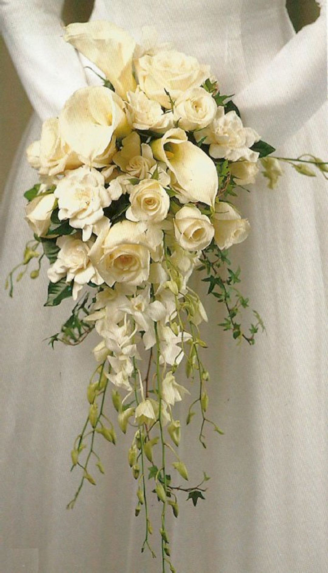 40+ DIY Beautiful Cascading Wedding Bouquet Ideas (With