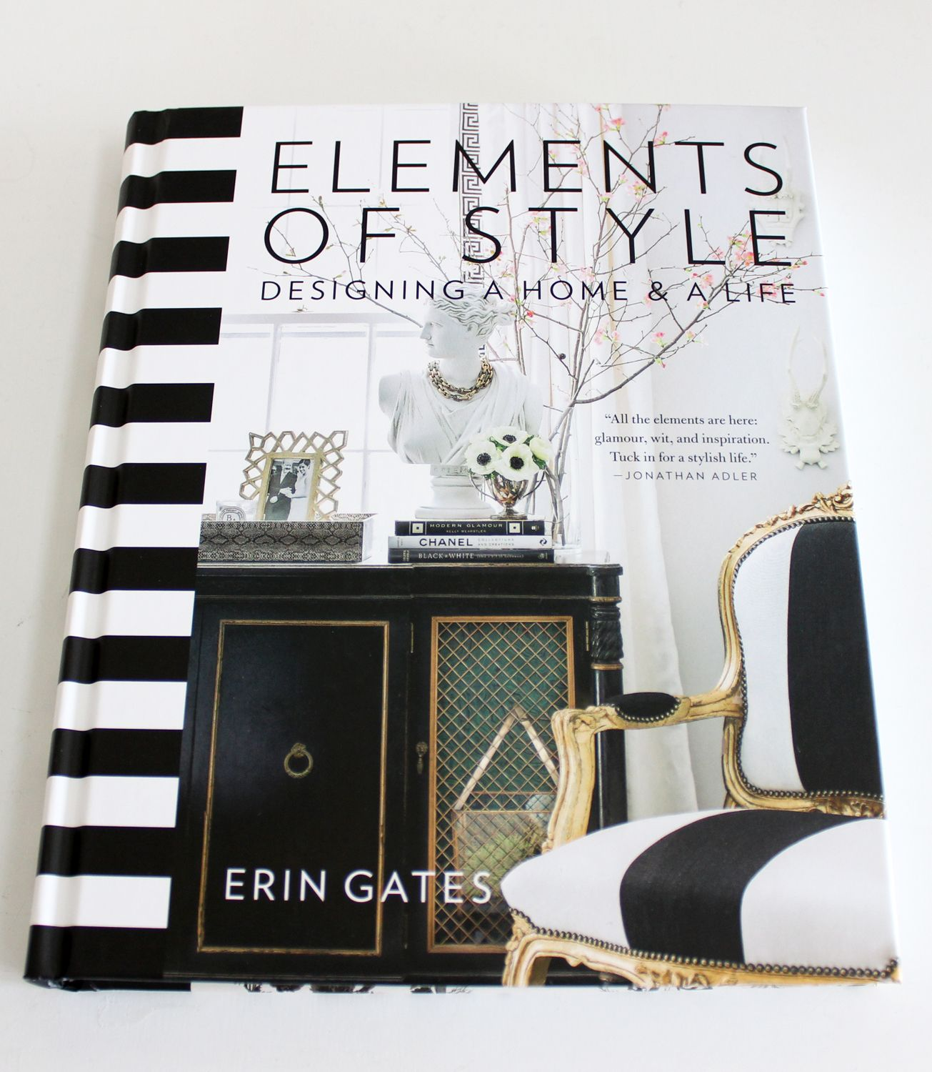 AM Dolce Vita Elements of Style Book by Erin Gates black white