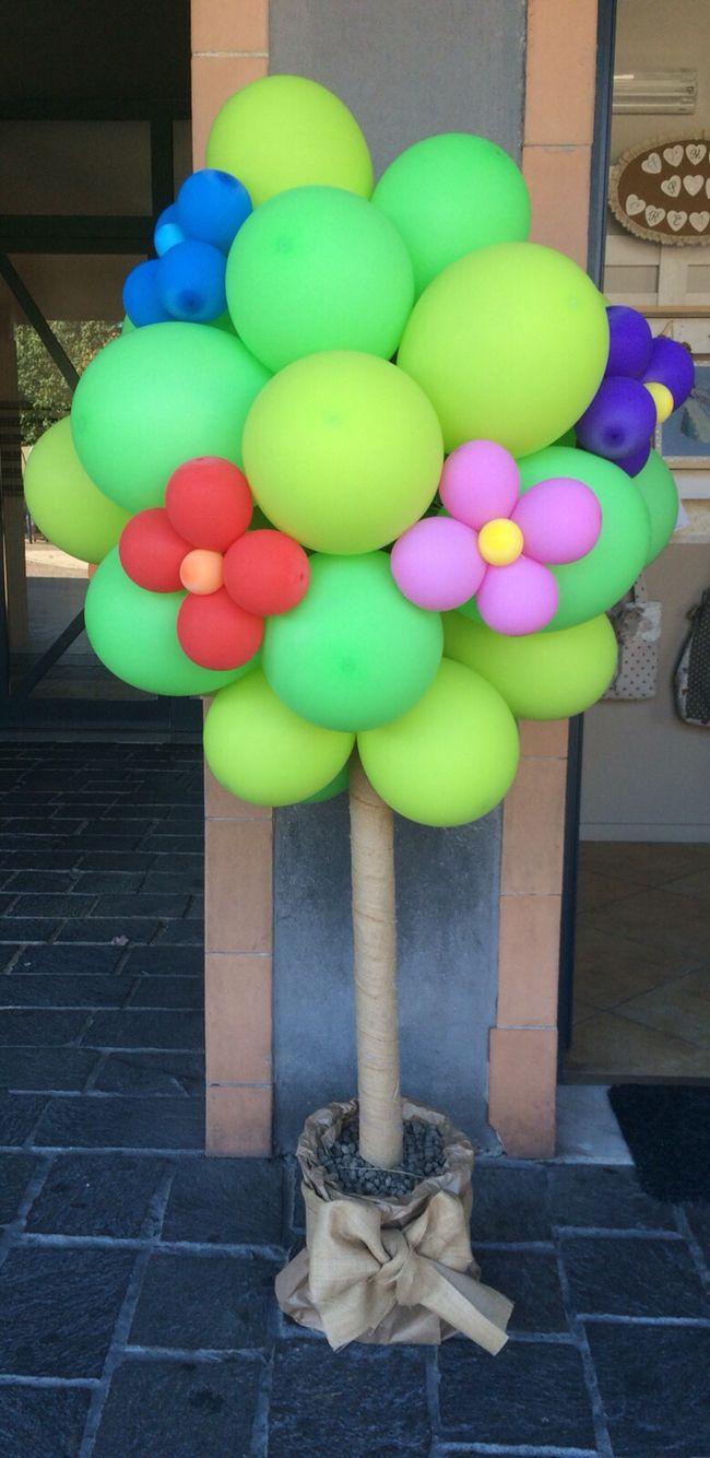Albero di palloncini per un inaugurazione