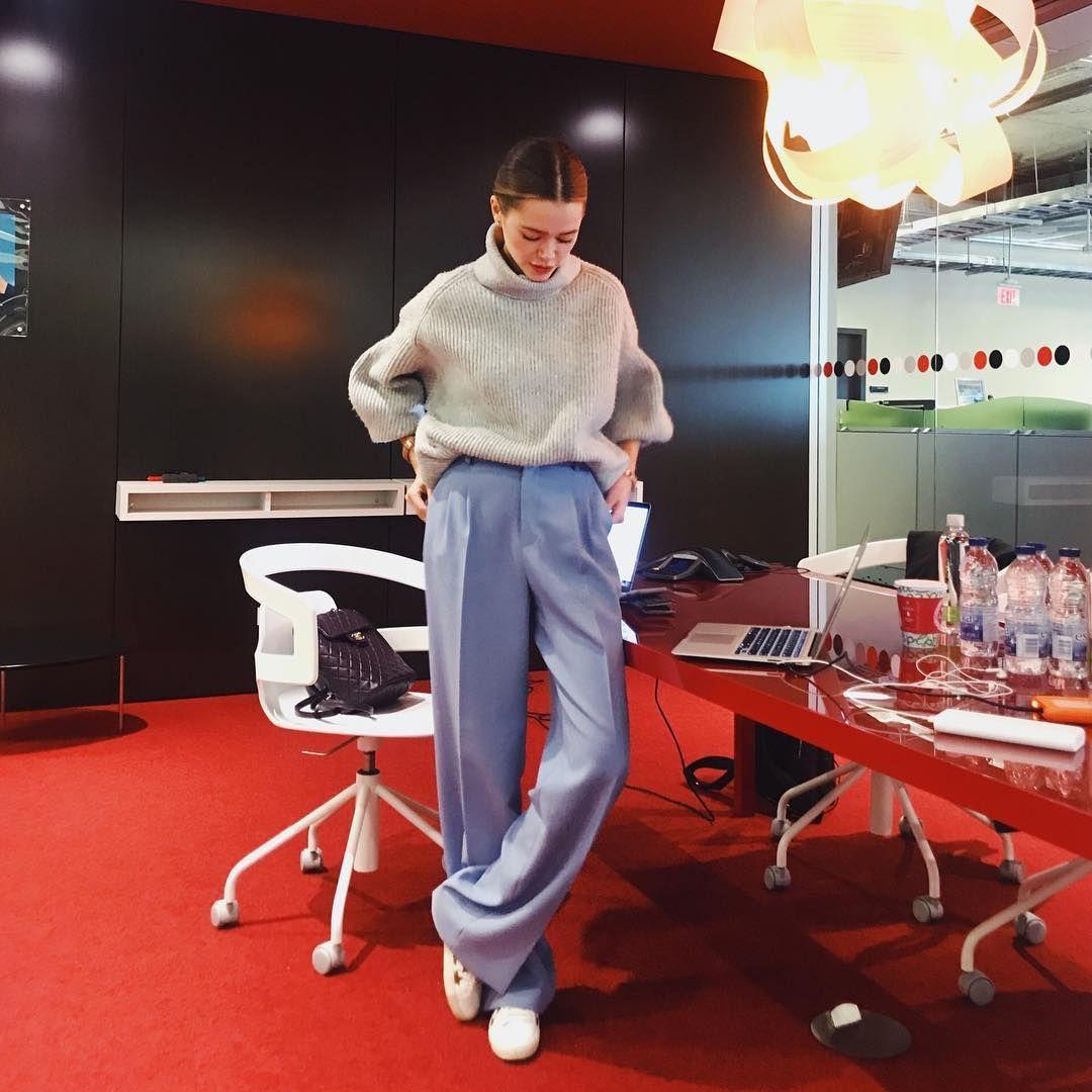 3 495 個讚 23 則留言 Instagram 上的 Valeria Lipovetsky Valerialipovetsky You Can T Have A Million Dollar Dream Wit Professional Outfits Walking Outfits Fashion