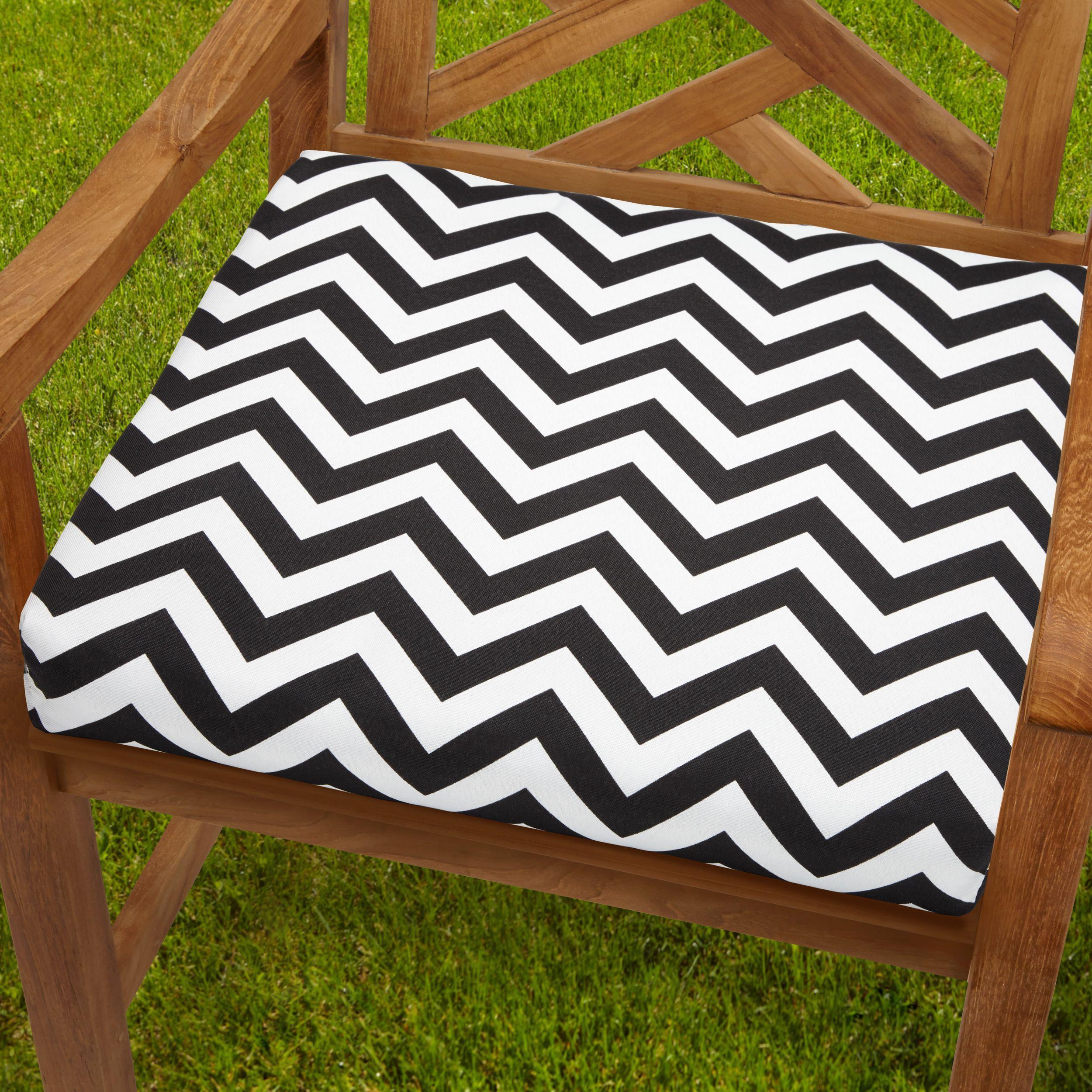 Bristol 20 Inch Indoor/ Outdoor / White Chevron Chair Cushion