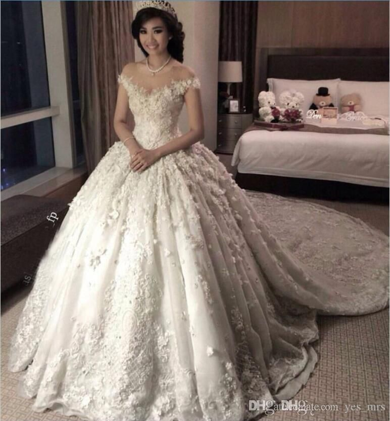2017 New Hot Luxury Arabic Ball Gown Wedding Dresses Cap Sleeves